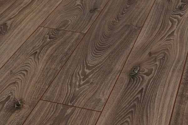 Kronotex robusto timeless oak aa floors toronto for Robusto laminate flooring