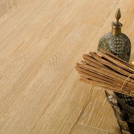 brushed-flooring-antique-white800x600z