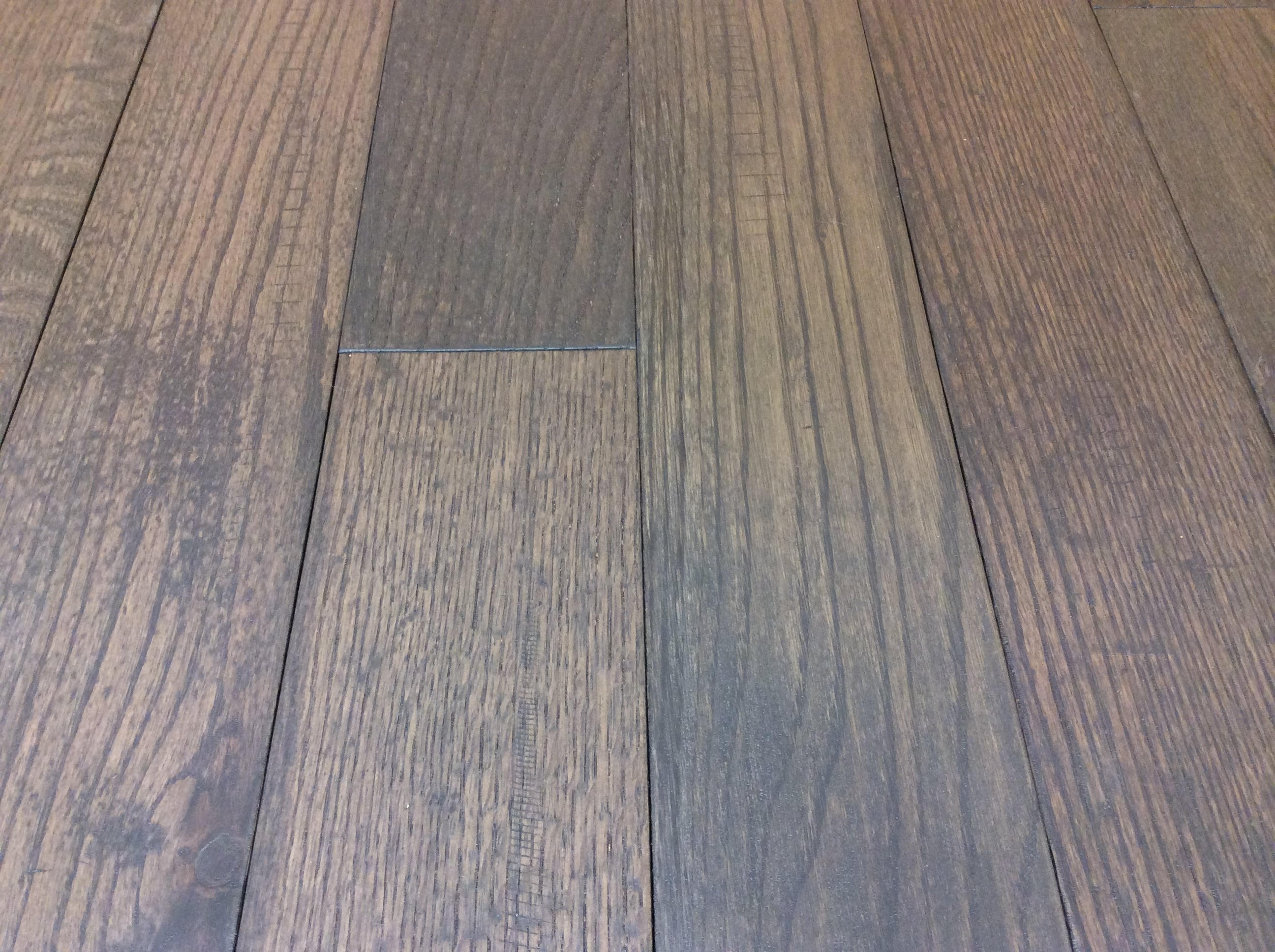 Hardwood Canada Hanscraped Distressed Red Oak City Grey